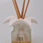 Reed diffusers with ceramic Lily flower in a gift box 100ml